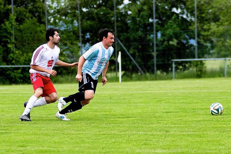 Der Sohnemann muss es richten: Kaum ist Klaus Scheder Chefcoach, ist auch Johannes Scheder wieder mit von der Partie. Der Routinier markierte nach seiner Einwechslung den wichtigen Siegtreffer für den FCE.