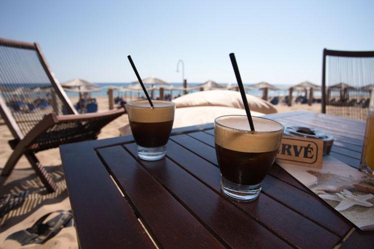 Espresso freddo auf Korfu, Griechenland
