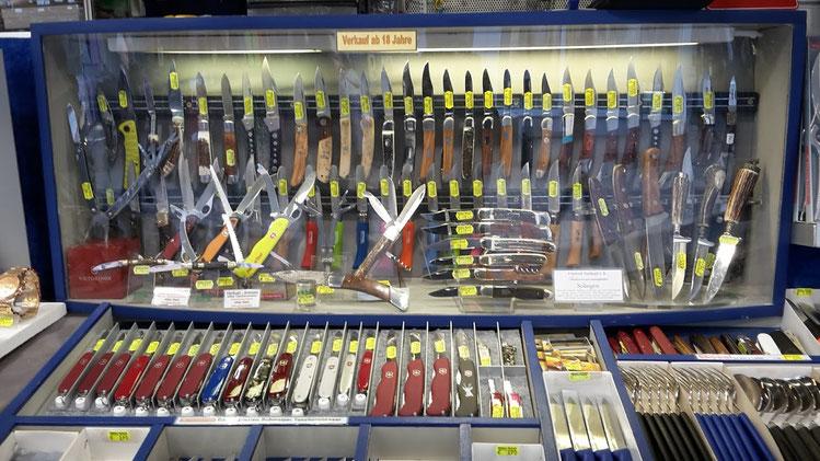 ...renommierte Messerhersteller wie Herbertz - Puma - Nieto - Cudeman - Hartkopf - Linder u. Opinel gehören zum Sortiment. Berufs - Sammler - Taschen und Trachtenmesser!