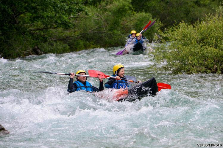 canoé kayak sur le Verdon. Loisirs sportif à Castellane 04120.
