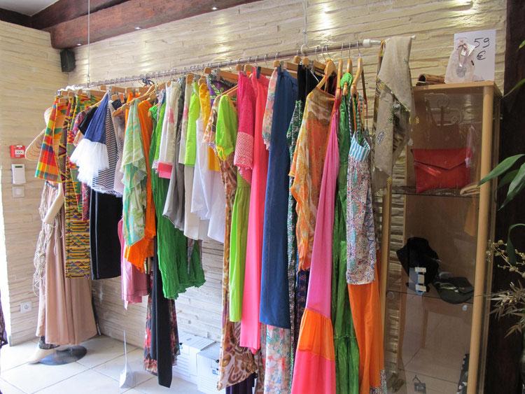 La boutique Les Créateurs propose des créations de différents stylistes de la Caraïbe.