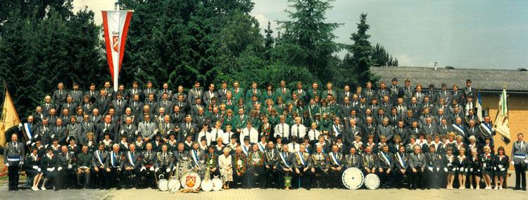 Schützenverein Garßen e. V. von 1891 - Gruppenbild anlässlich des 100-jährigen Jubiläum im Jahr 1991. Erstellt am 16. Juni 1990