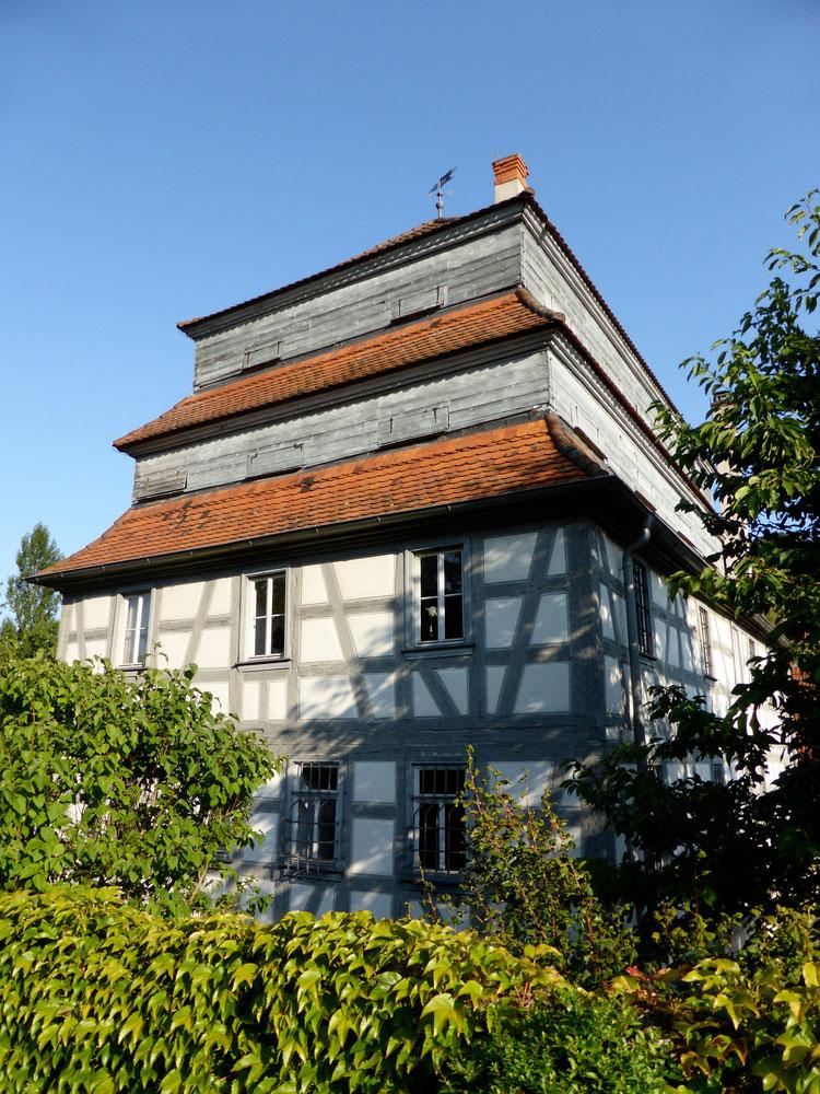 Rückwärtige Fassade des Museums Papiermühle Homburg, August 2014, Foto: T. Karipidis