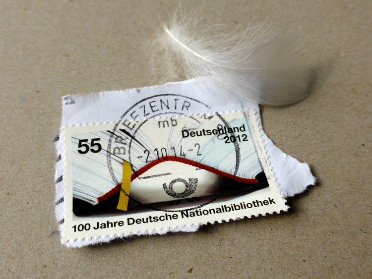 Briefmarke 100 Jahre Deutsche Nationalbibliothek