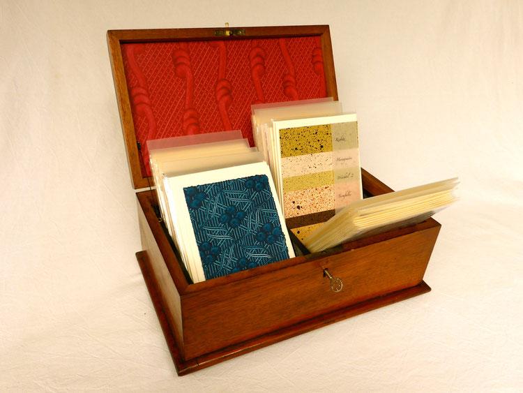 Kleisterpapier auf handgeschöpftem Trägerpapier