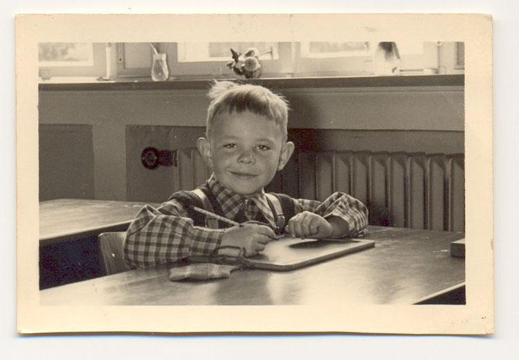 Erstes Schuljahr, hier habe ich mit meiner Schreiberei angefangen