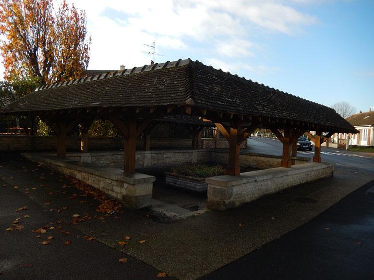 Ancien lavoir de la ville de Cheux