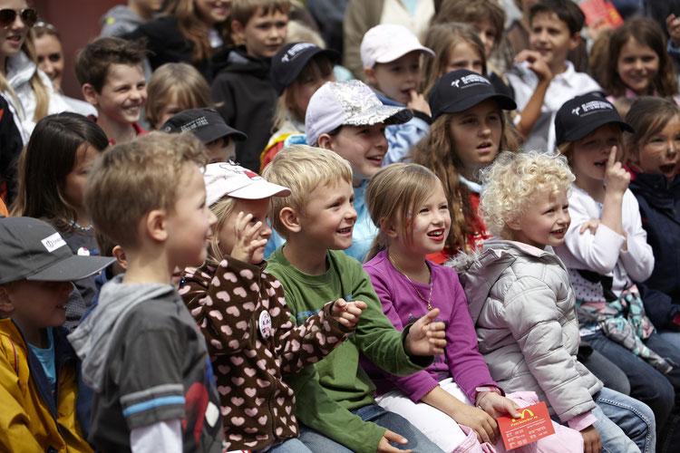 Kinder Kindergarten und Grundschule