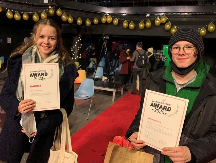 Carla Studer und Finn Krummenacher an der Preisverleihung in Zürich.