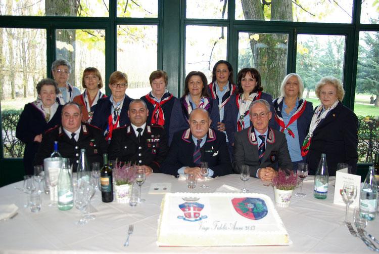 Le benemerite della sezione in occasione della Virgo Fidelis 2013