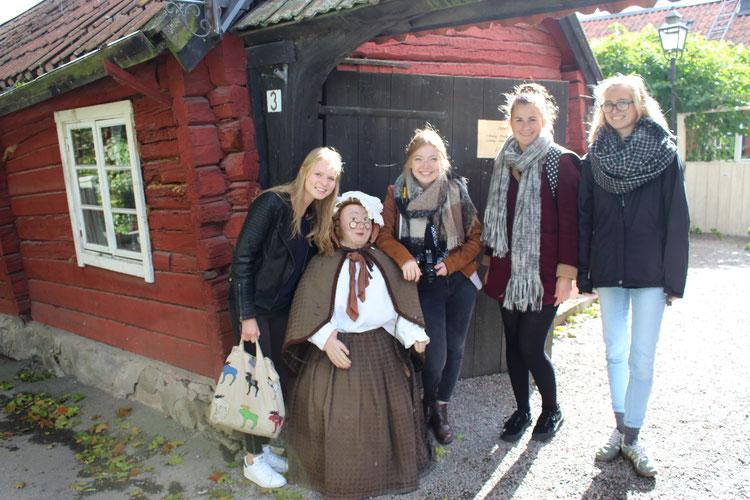 """Das kleine Café """"Tant Brun"""" ist ein Geheimtipp in Sigtuna: Elisabeth Schwake, Pia Wittek, Miriam Schmelz und Magdalena Kohlheck haben es erkundet"""