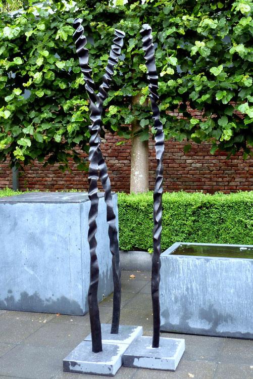 Bronze: hight : 2m32cm ©Isabelle Dethier