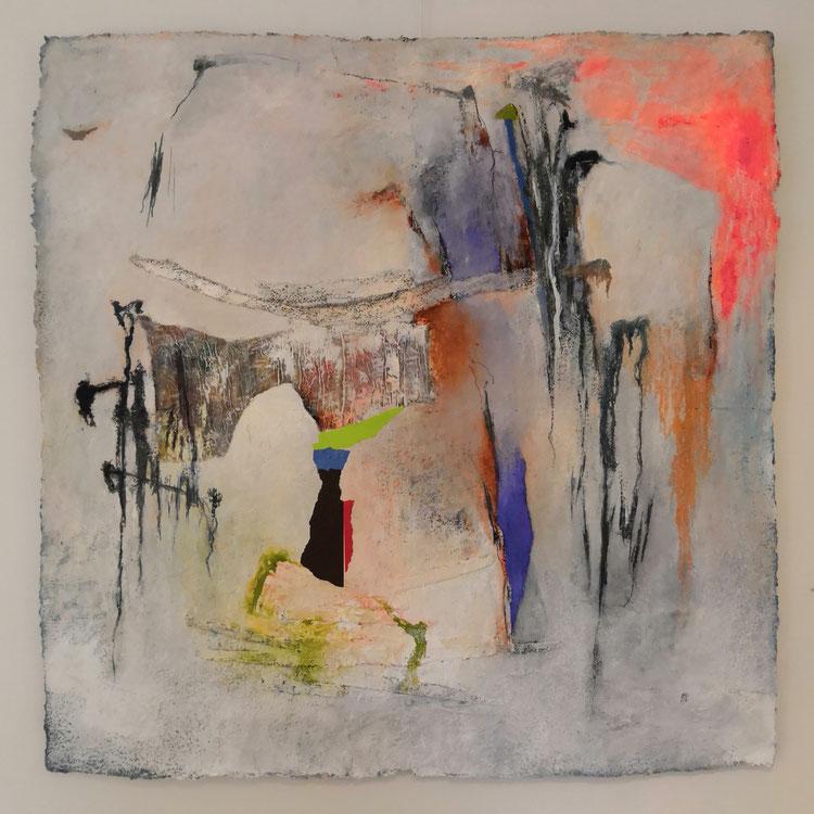 """Sans titre.Série """"PAPIERS FAIT MAIN""""Format: 98 cm x 98 cm .tissus,papier,acrylique et huile sur papier artisanal."""