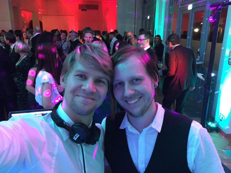 DJ Leipzig Weihnachtsfeier DJ MarcusN und Nicolai Selfie