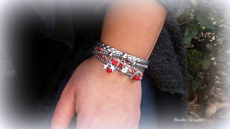 Bracelet manchette EROS 2 tours, son coeur et ses étoiles, rouge et argenté