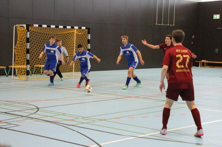 Straubing in blau beim Spiel gegen Düsseldorf