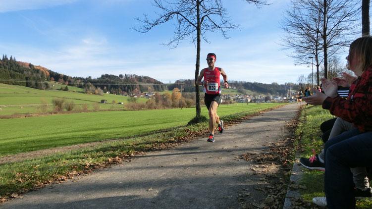 Steffen läuft auf den dritten Gesamtrang beim 31. Ronsberger Lauf über 9 Km in 31:29 Minuten