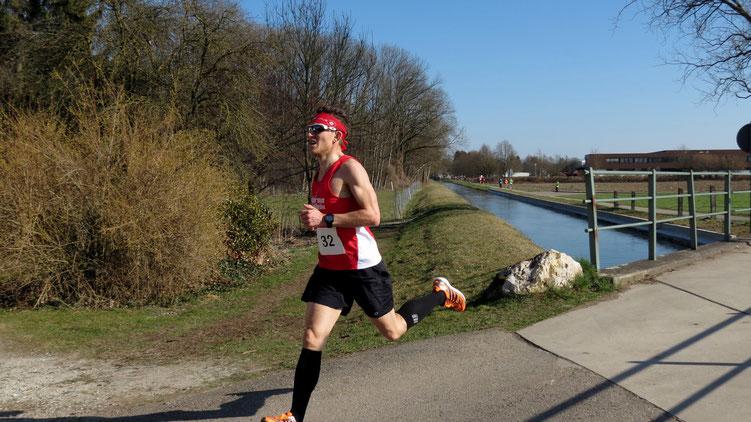 Mit 34:25 Minuten lief Steffen beim 21. Kellmünzer-Frühjahrs-Straßenlauf auf den 2. Gesamtrang und gewann die Altersklasse MHK