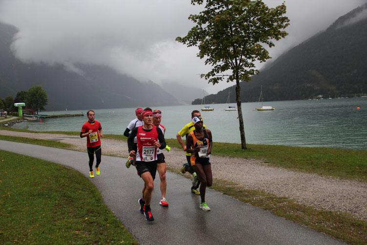 Als Siebter des Gesamtklassements wurde Steffen am Achenseelauf bester Deutscher hinter 5x Kenia und 1 Schweden (Bild: Tourismusverband Achensee)