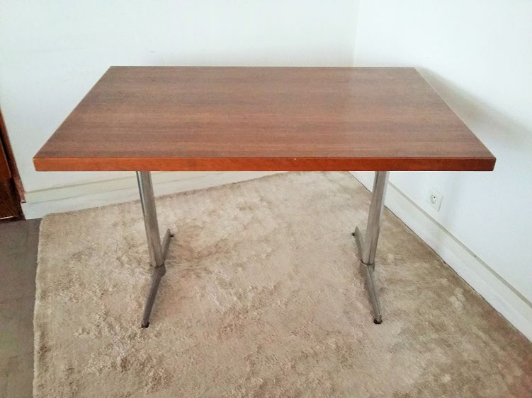 Table style bistrot vintage