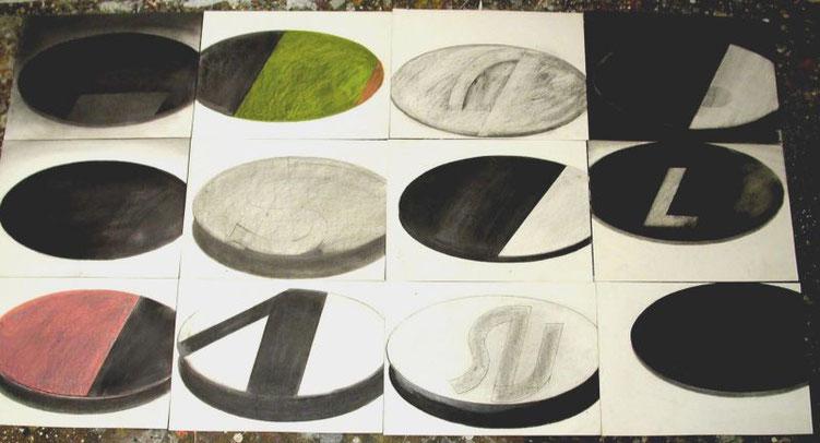 """""""Liga-Embleme"""" 2002, Graphit und Wachskreide auf Karton, je 31,5 x 43 cm"""