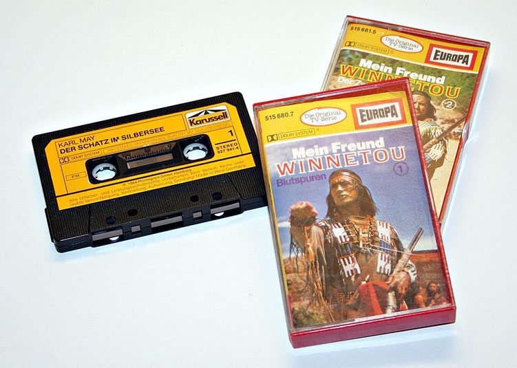 Audiokassetten mit Hörspielen