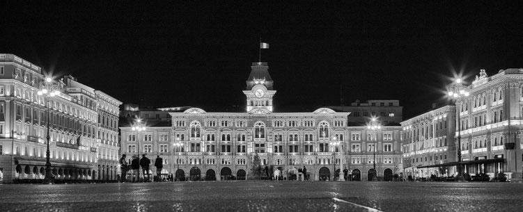 Norbert - Foto 11 - Rathaus bei Nacht