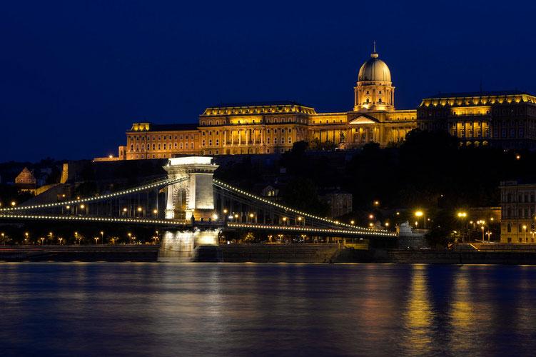 Budaer Burg mit Kettenbrücke