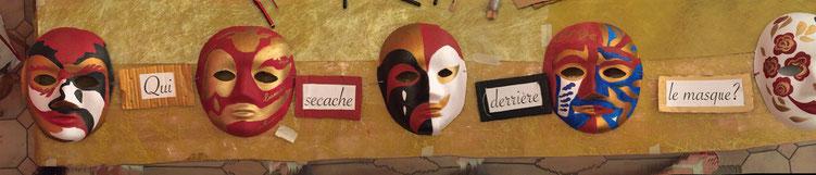 Ces masques et les textes écrits au cours du stage sont exposés à la Bibliothèque du Mesnil Le Roi jusqu'au 27 février 2016.