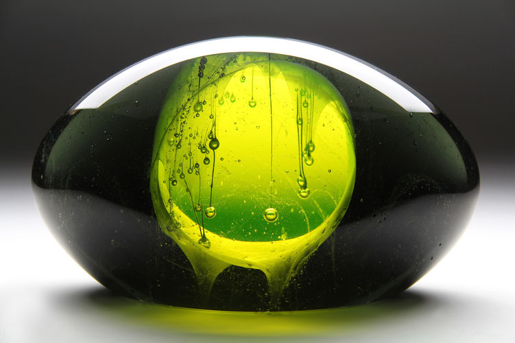 Hello Moon II. | kiln cast, grinded, fused, hand polished glass | 28 x 16 x 14 cm | 2011 | ●