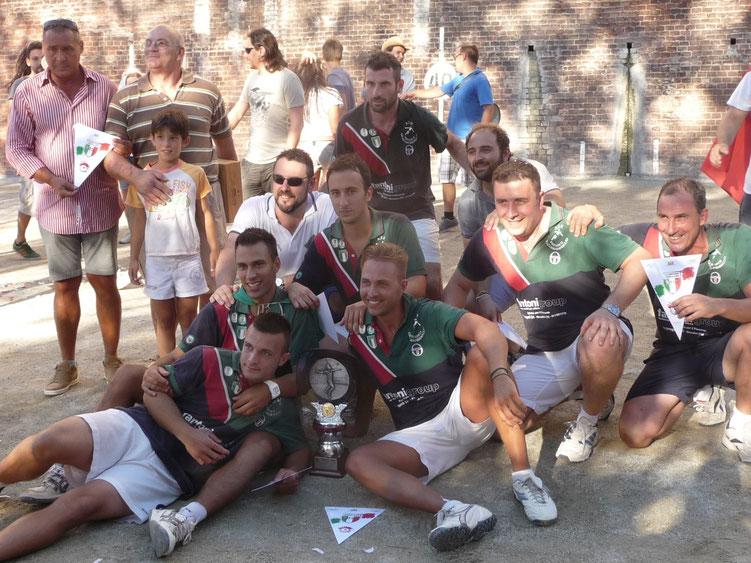 Foto 7 da sinistra: E. Guolo, F. Zitti, D.T. F. Penna, E. Biletta, M. Caggiano, V. Fracchia, Pres. A. Redoglia, P. Giroldo, M. Dessimone