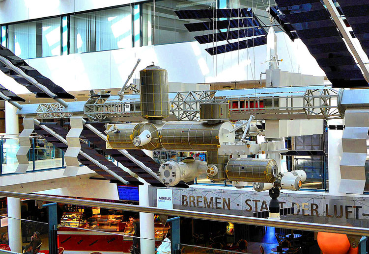 Paul am Flughafen Bremen 20