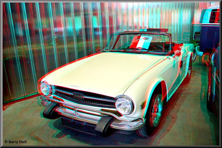 3D - Bremen - Oldtimer im Schuppen Eins 7 - Triumph TR6 von 1074