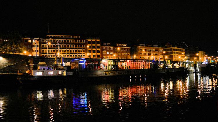 Nachts auf der Weser