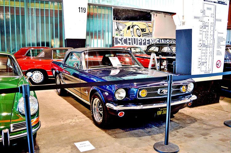 Bremen - Oldtimer im Schuppen Eins 6 - Ford Mustang GT Convertible von 1966