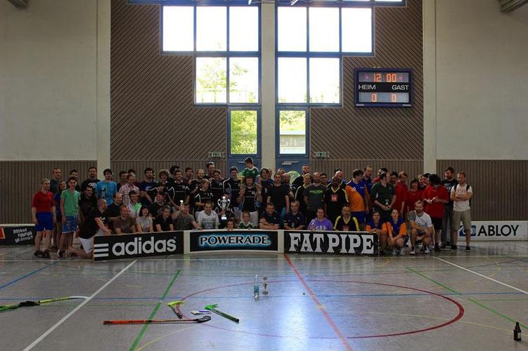 Die Rekordteilnehmerzahl feiert zum 5. Mal in Folge den Rheinland-Pfalz-Meister Floorball Mainz