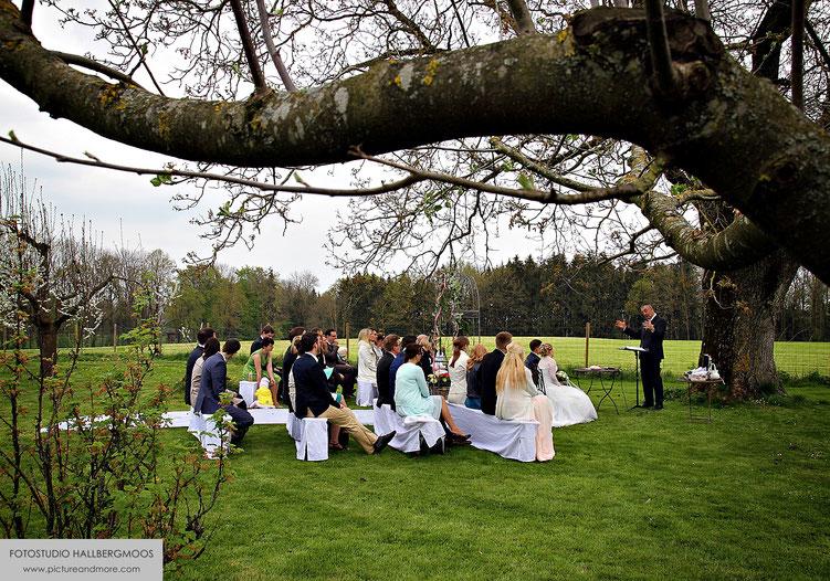 Freie Trauung - Iris Besemer Fotostudio Hallbergmoos - picture&more FOTOGRAFIE international www.pictureandmore.com