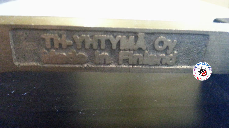 Finnish telegraph key XBX-102  -  particuluar of left write on main arm