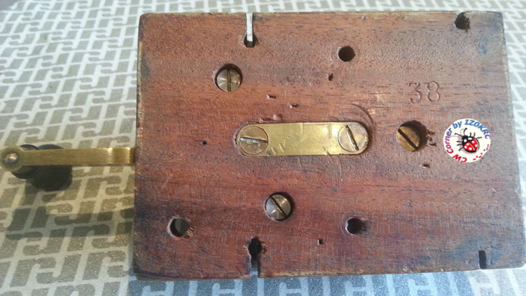 Very eraly Lindholm & Wikstrom morse key  -  underbase with s/n 38
