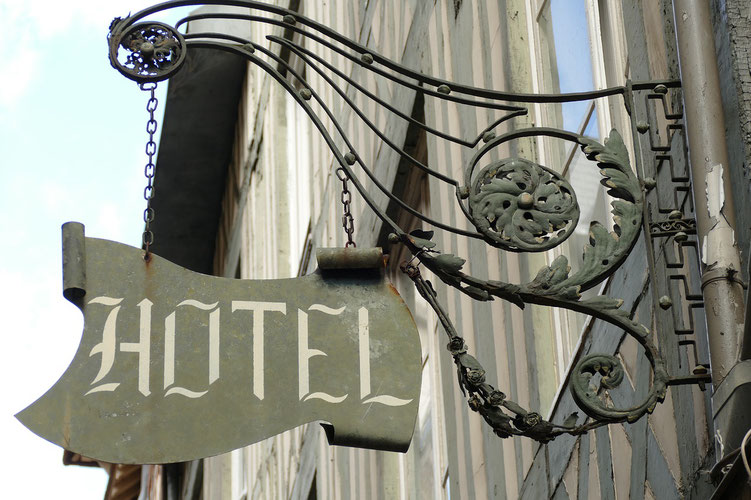 Travelling Is Happiness: Be careful in choosing a hotel for your stay