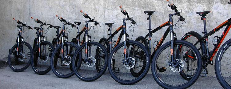 Die FELT Bikes für die Hotelgäste stehen bereit
