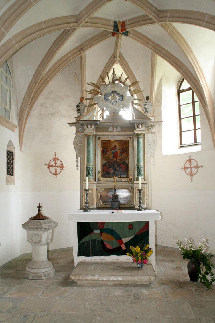 Bild:Kirch Kleinwolmsdorf Altar