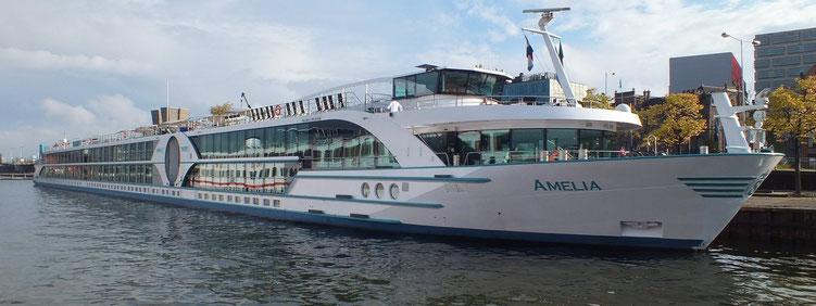 MS Amelia Phoenix-Schiff für gehobene Ansprüche (c) Phoenix-Reisen GmbH - buchen Sie hier online im Vertrags-Reisebüro Reiselotsen cruise & tours eK. Hamburg