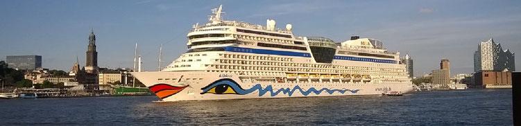 Beispiel Schiff AIDAaura vor New York (c) AIDA Cruises - German Branch of Costa Crociere S.p.A.