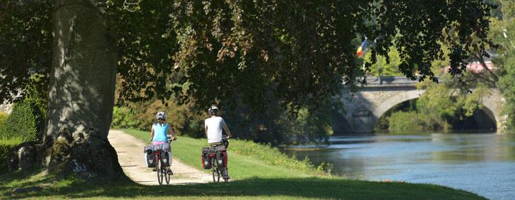 Vallée du Loir à Vélo sur le chemin du Pique nique des Artisans à la Flèche et à Lhomme