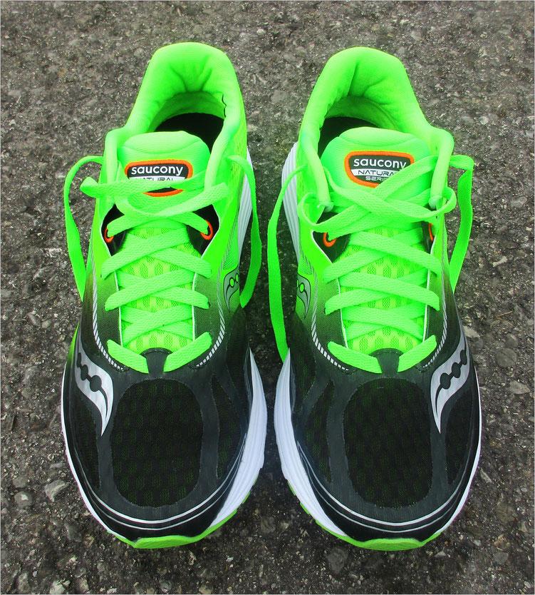 Gelungene Kombination für Läufer: Niedrige Sprengung (4 mm) plus geringes Gewicht (224 Gramm bei Größe 43) - etwas Eingewöhnng inklusive.