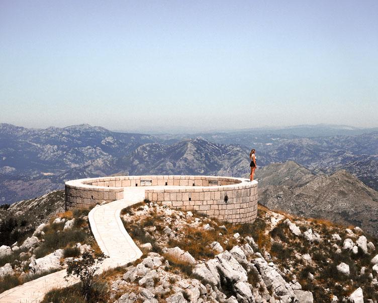 Einer der vielen TopSpots im Land - die 360° Aussicht vom Mausoleum im Lovcen-Nationalpark