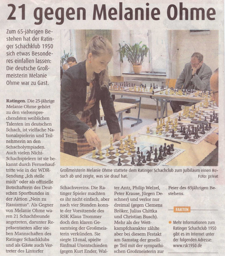 Großmeisterin Melanie Lubbe (geb. Ohme) beim Simultan im Ratinger Schachclub