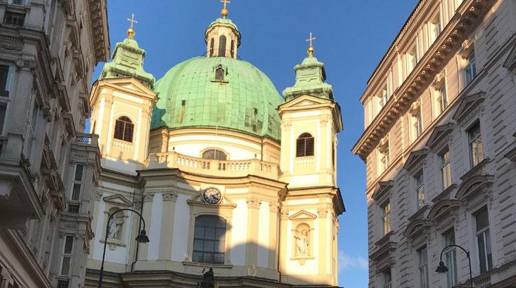 ウィーンの石畳の散歩道