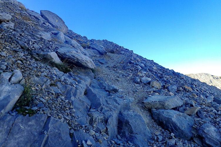 Après la cheminée, petite grimpette jusqu'à la crête Sud.